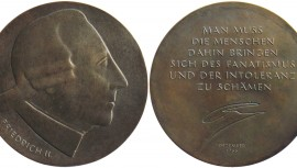 <p>2011, Medaille in Bronze, D 112 mm, Münzkabinett Berlin</p>